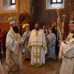 Владика Иларион служио Свету литургију у храму Светих Апостола Петра и Павла на Топчидеру