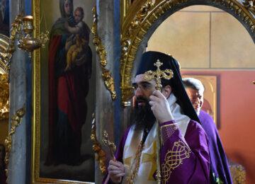 Владика Арсеније служио литургију пређеосвећених Дарова